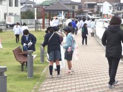 『勤行川清掃2』の画像